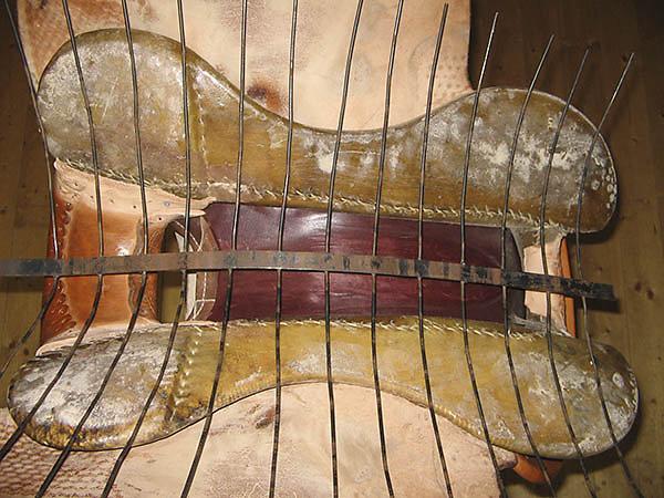 Sattelbaumunterseite mit Messgerippe